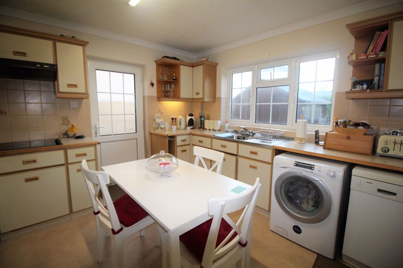 ** UNDER OFFER WITH MAWSON COLLINS ** 4 The Palms, Portinfer Road
