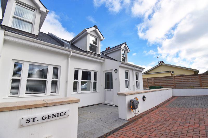 5 St Geniez,  Green Lanes