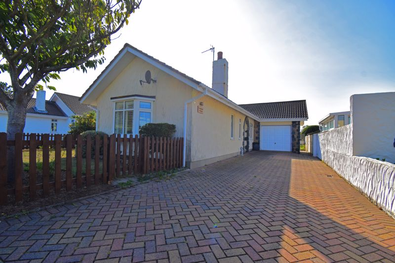 **UNDER OFFER WITH MAWSON COLLINS**Evergreen Terrace, 3 Clos Rue De La Ronde Cheminee