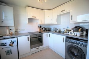 **UNDER OFFER WITH MAWSON COLLINS** Flat 4, Grangeclare