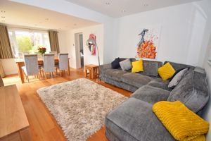 ** UNDER OFFER WITH MAWSON COLLINS ** The Daffodils, Vale Road