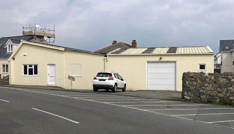 Storage & Distribution, The Corner House, Lowlands Road