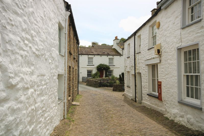 Cobbled Street & Siege Ghyll