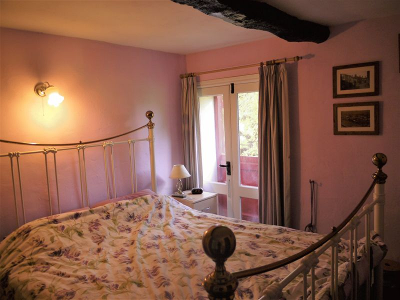 Ground Floor Barn Bedroom 1