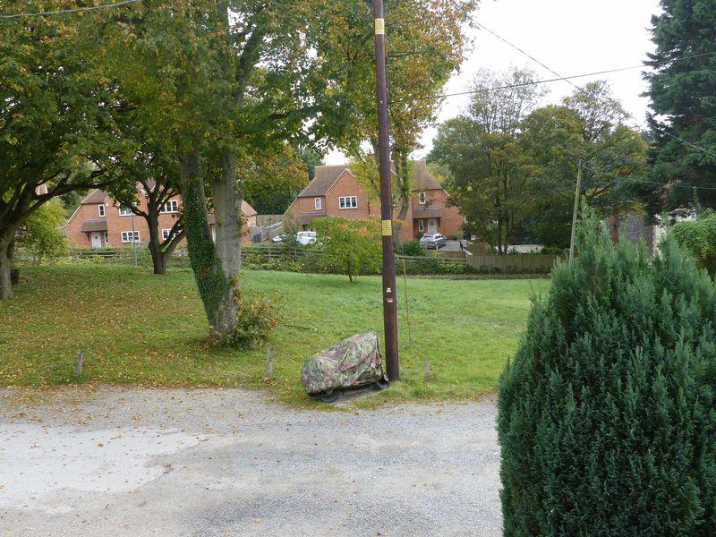 Daisy Cottages Church Path