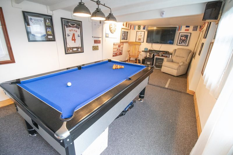 Summer House/Games Room