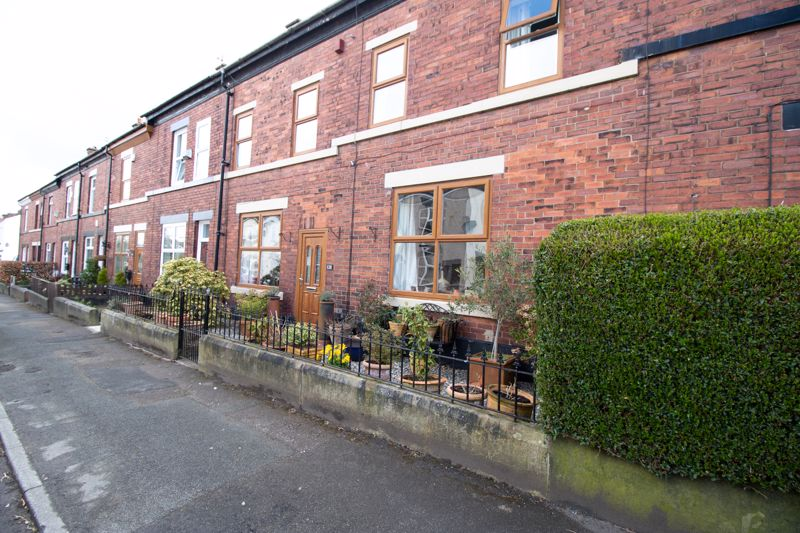 Double Fronted terrace, (2 spacious terraced home