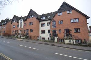 64 Midhurst Road