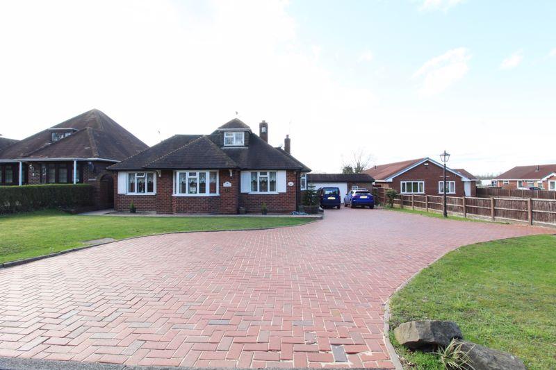 Longwood Lane