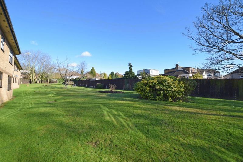 Abbs Cross Gardens