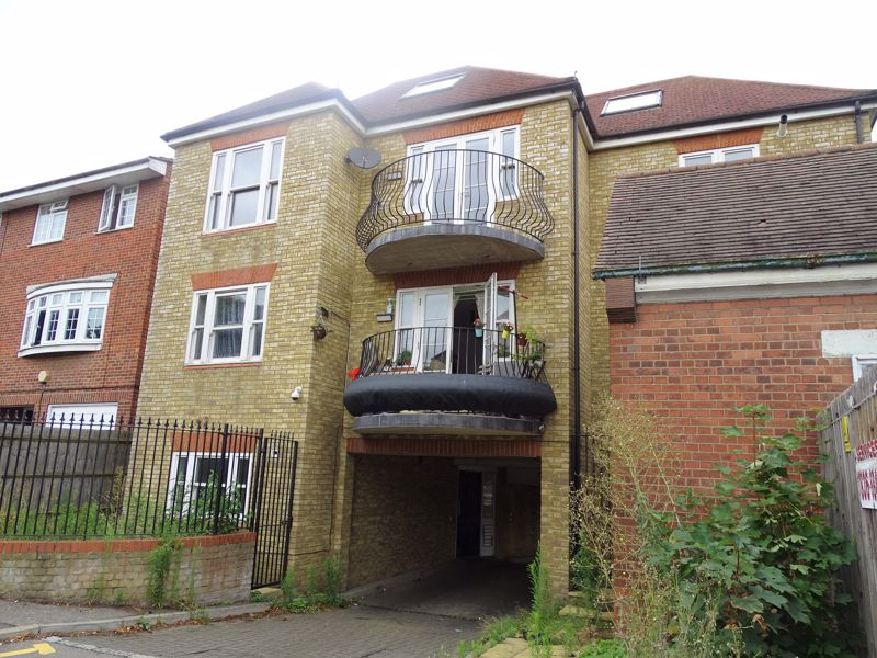 22 Lincoln Road Enfield