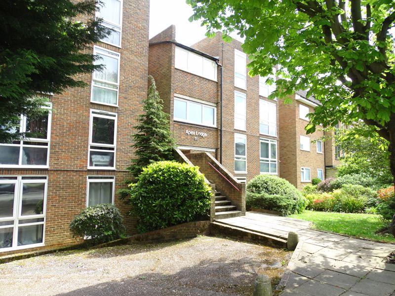 35 Lyonsdown Road New Barnet