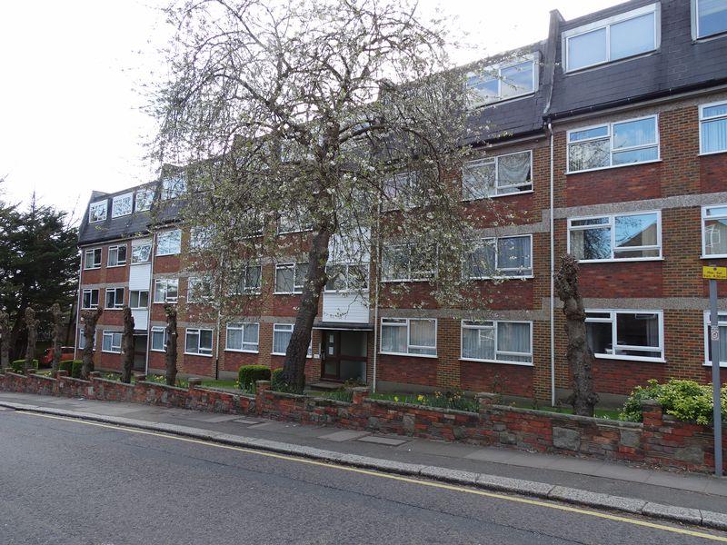 Sunbury Court Manor Road