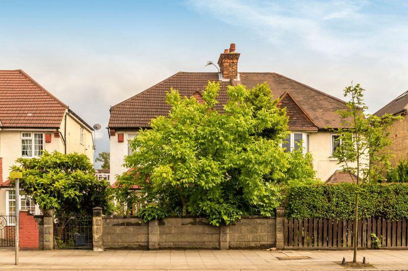 Gunnersbury Lane, Acton