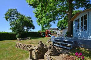 Old Hay Lane Dore
