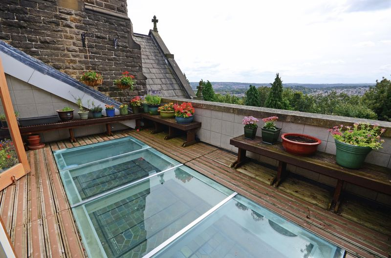 Roof Terrace with Views