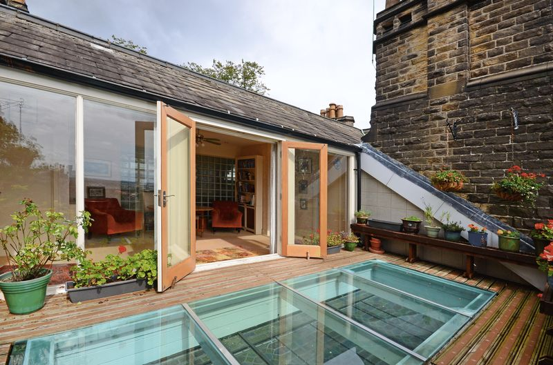 Roof Terrace & Sun Room