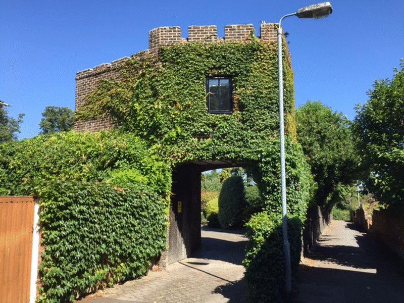 17 Castle Hill
