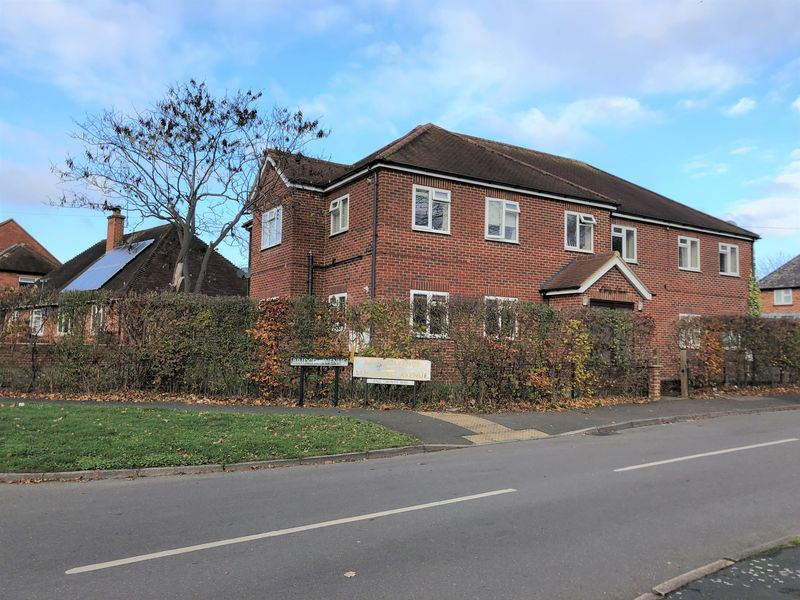 2 Whyteladyes Lane Cookham