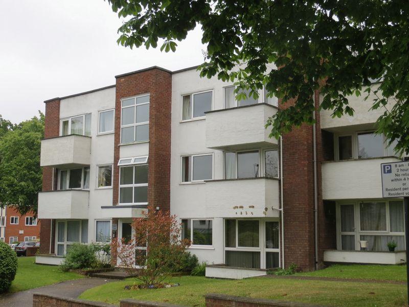 Elmslie Court North Road