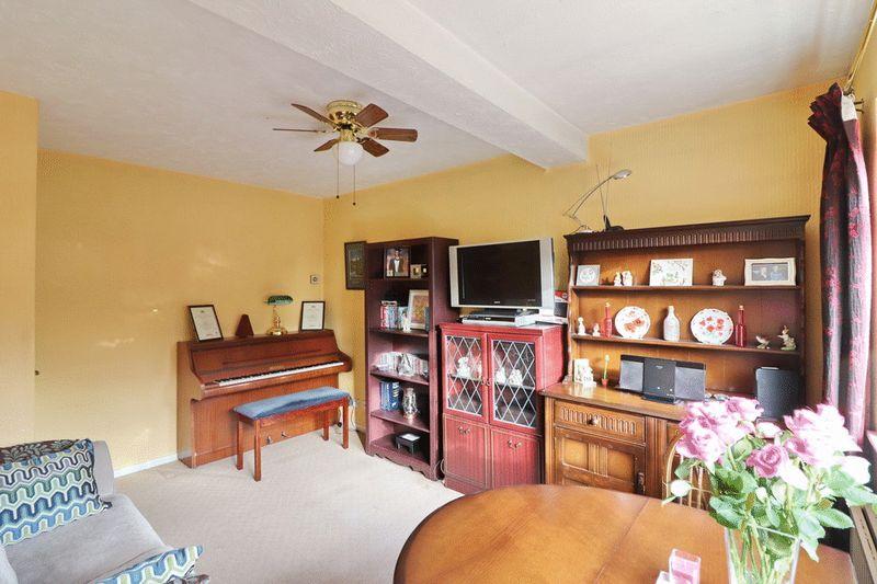 Sitting Room/Dining Room