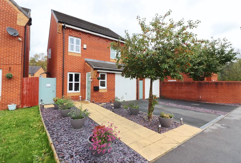 Cedarwood Close Tyldesley