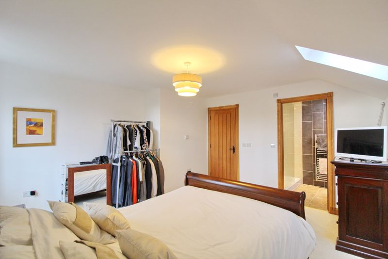 Main Bedroom & En-Suite