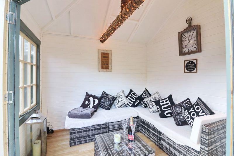 Summer House/Gin Room