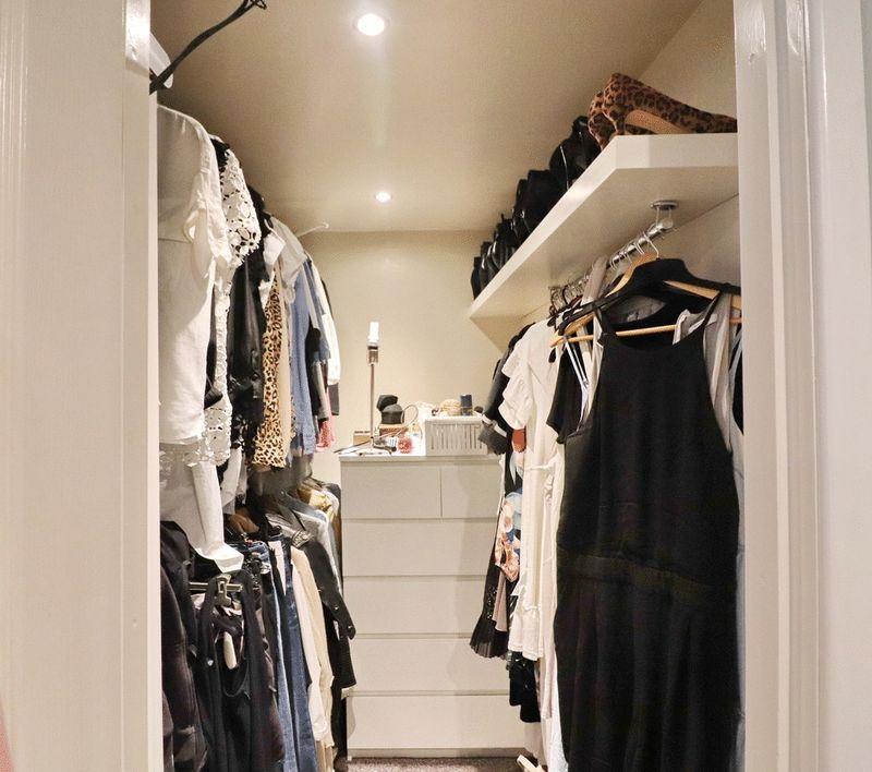 Walk In Dressing Room