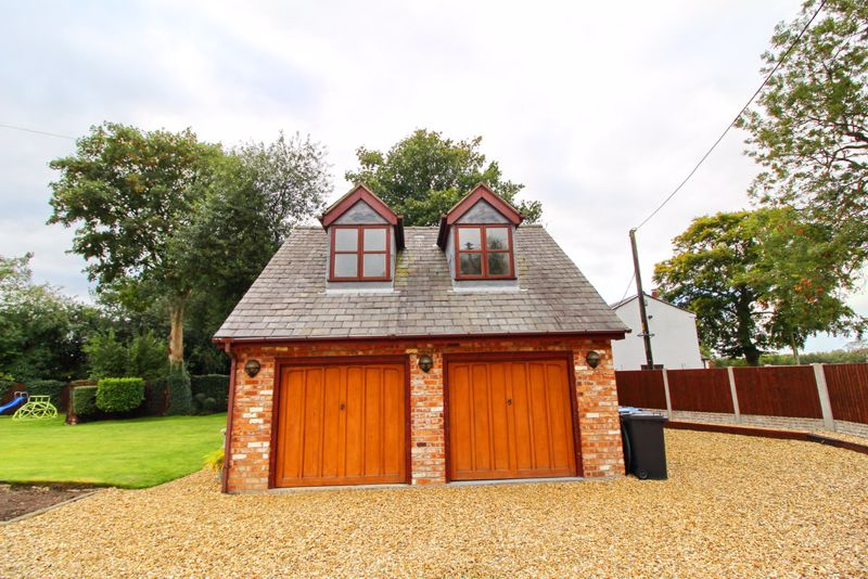 Detached Double Garage With Loft Room