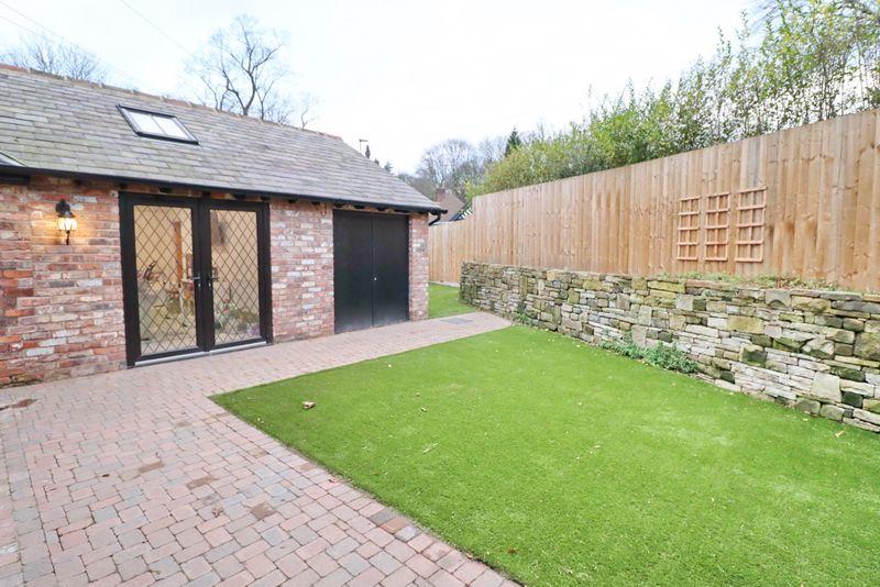Side Garden and Garage
