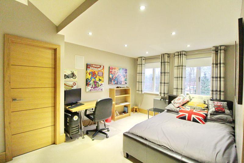 Upper Floor Bedroom, Dressing Room & En-Suite