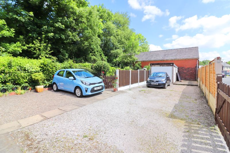 Private Parking Bay & Detached Garage