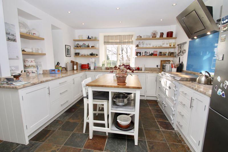 Kitchen with Everhot range cooker