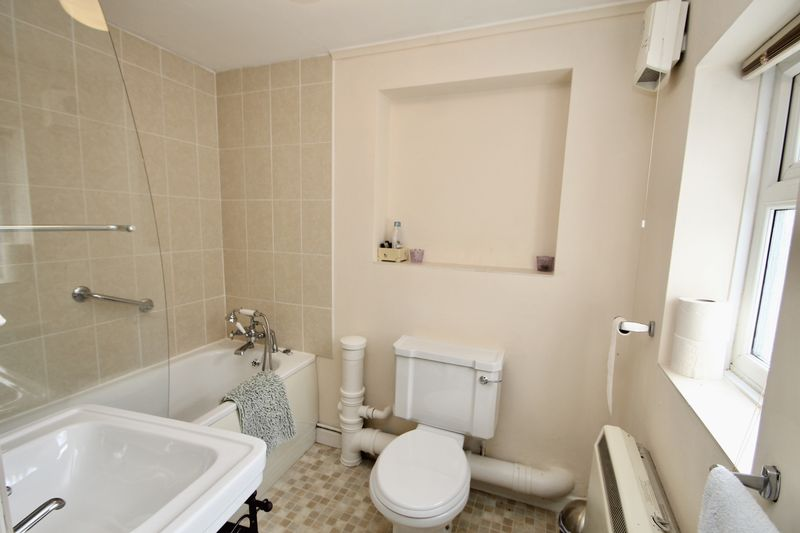 Annexe bathroom