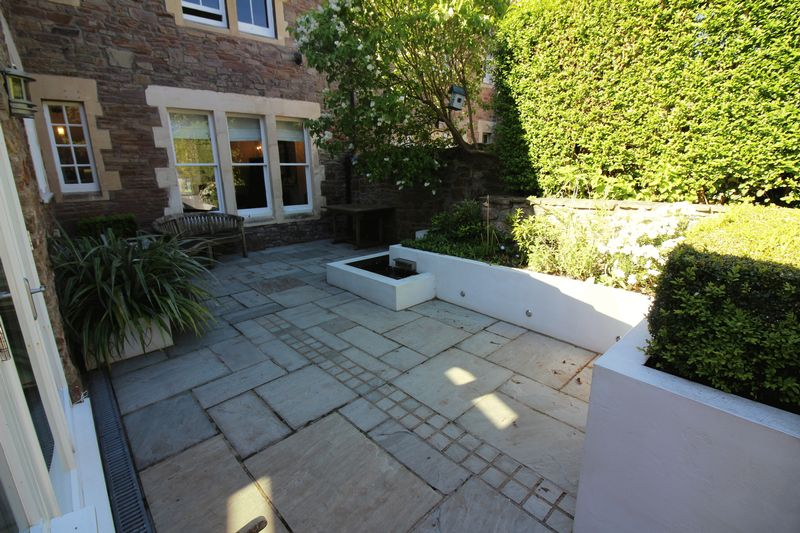 Feature Patio Image