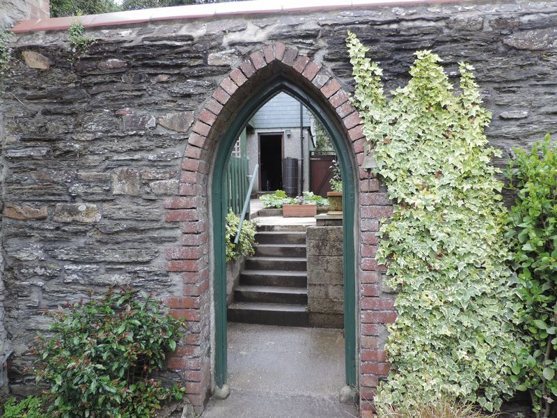 Walled garden and arch
