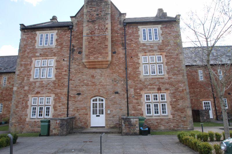 Lower Chapel Court South Horrington
