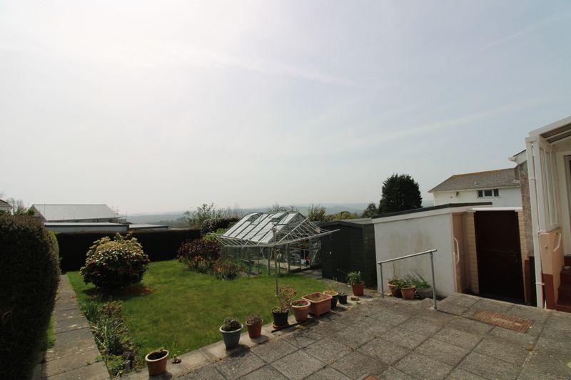 Garden and sun terrace