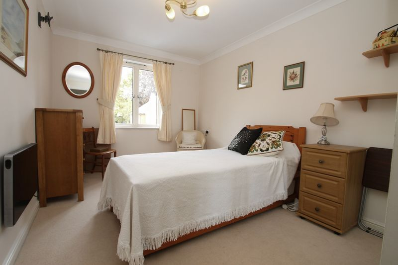 Double bedroom with built-in wardrobes
