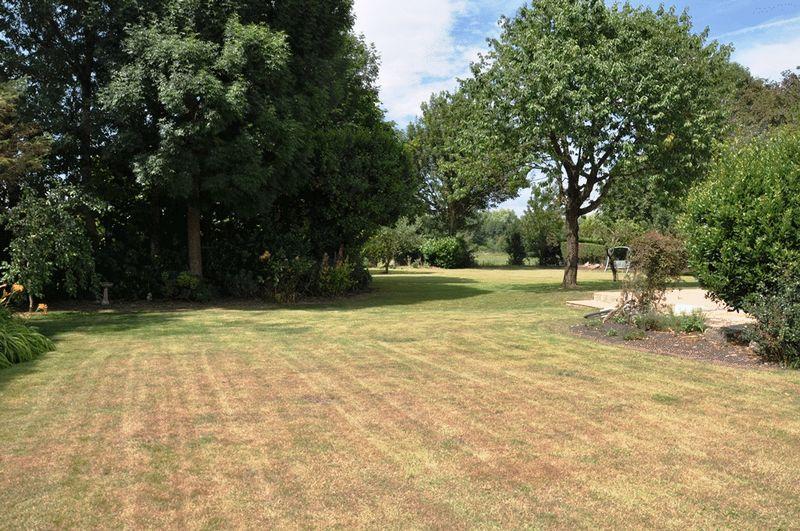 Garden/paddock