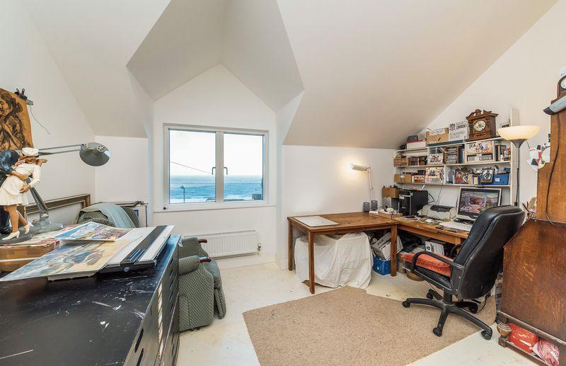 Bedroom / Studio