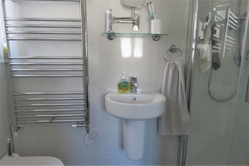 Refitted En-Suite Shower Room