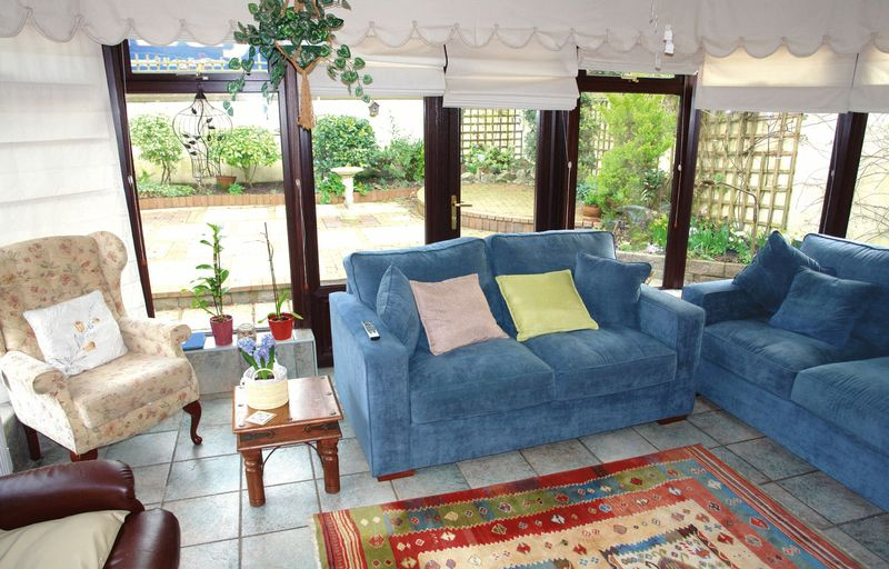 Sitting room - conservatory