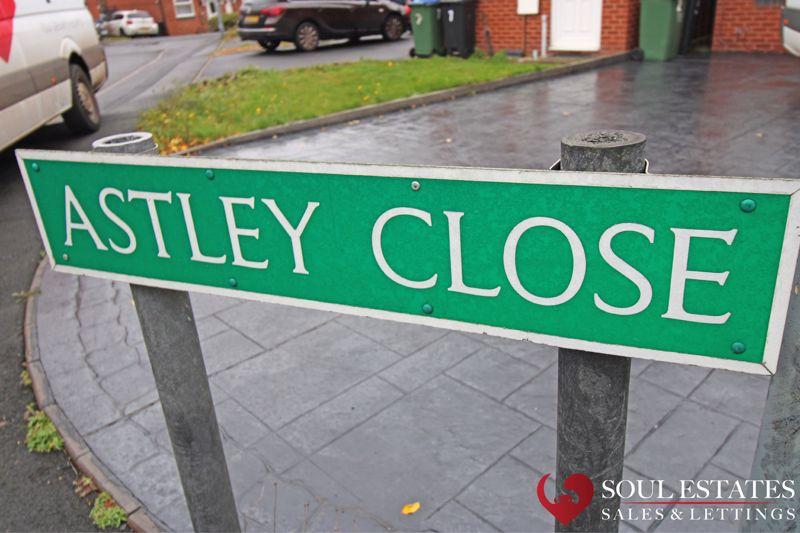 Astley Close