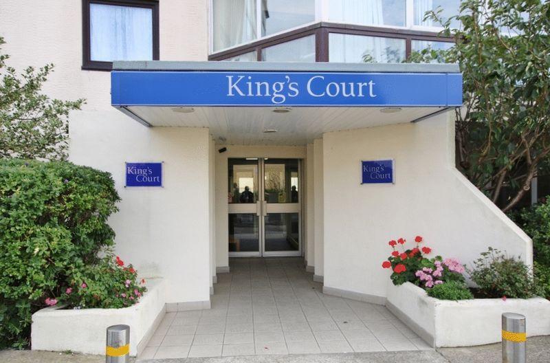 806 Kings Court