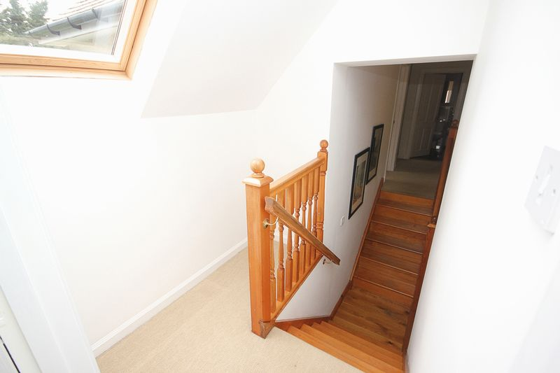 Stairwell to Master Bedroom (2)