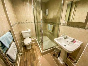 Annexe Shower Room