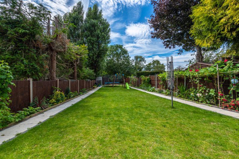 Stratton Gardens