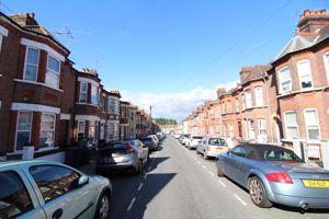 Lyndhurst Road